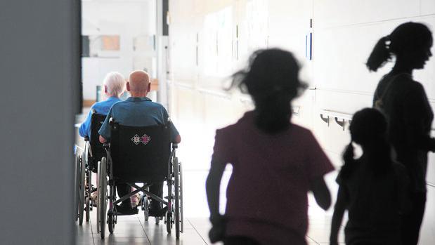 La Federación Empresarial de la Dependencia afirma que el Gobierno tiene las cifras de mortalidad en residencias